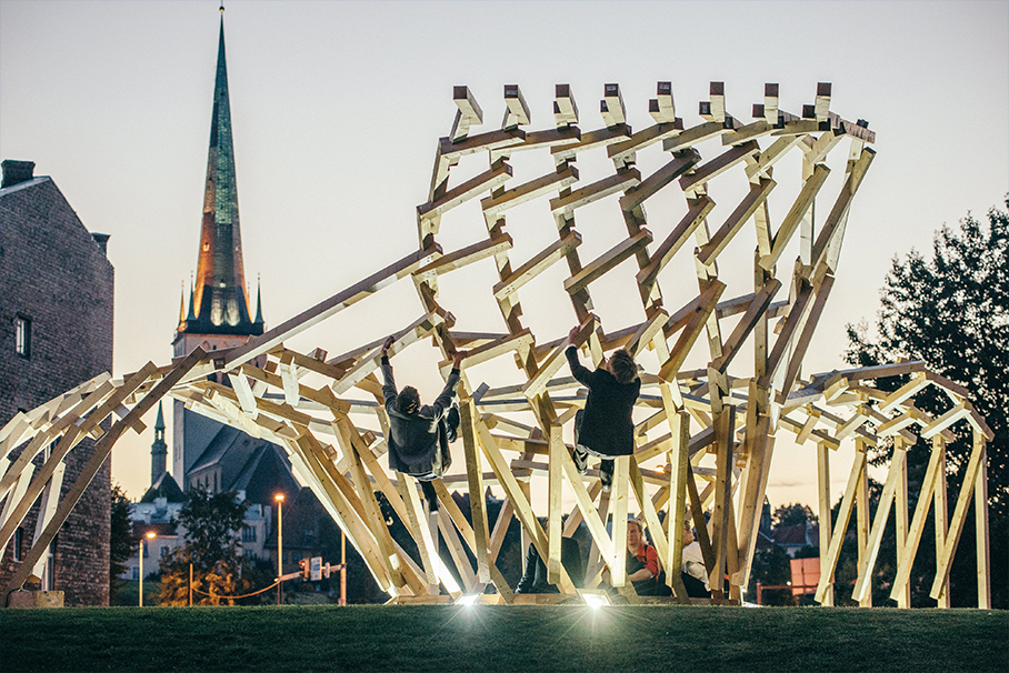 """This PART's self-initiated installation """"Body Building"""" in front of Estonian Architecture Museum kicked off the Tallinn Architecture Biennale international timber installation competition in 2015. Photo credit: Tõnu Tunnel"""